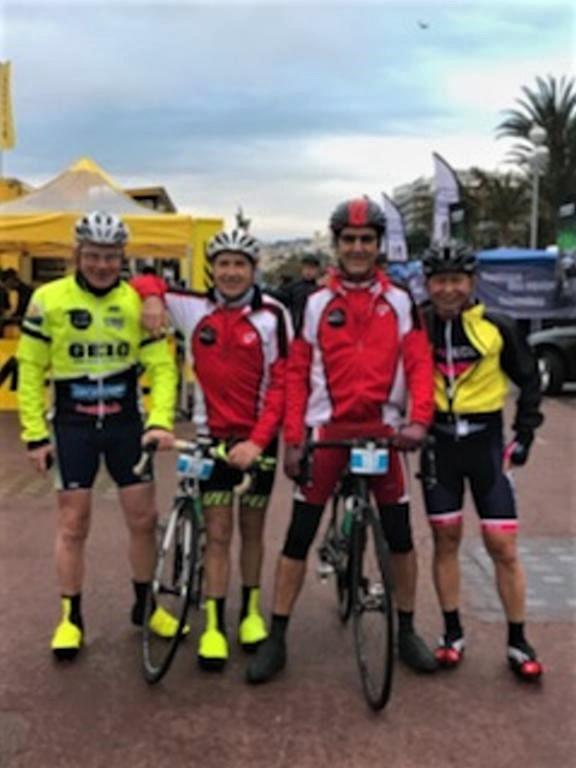 4 cyclos + 1 féminine prêts pour 110km avec 1940m D+
